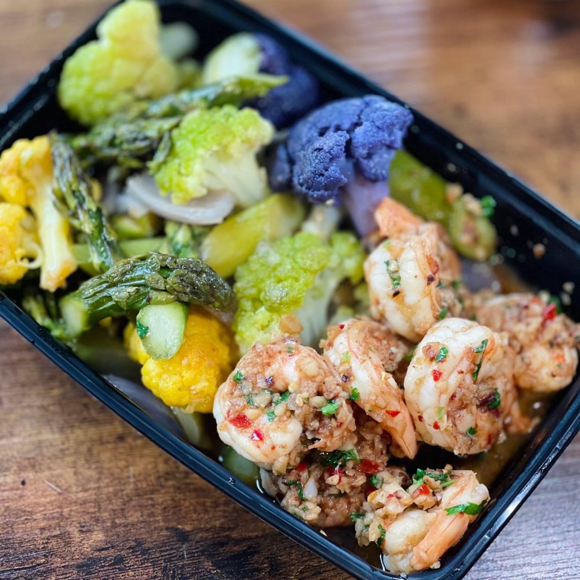 Gambas al ajillo (shrimp with garlic)